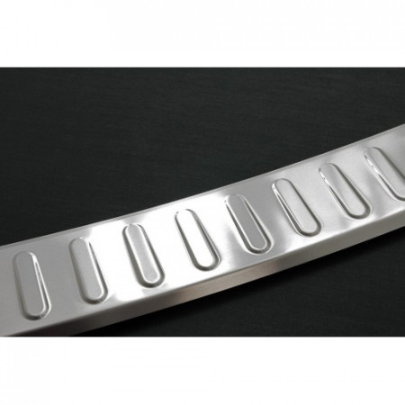 PORHCE  CAYAN 2 – Pure chrome – boot entry guard