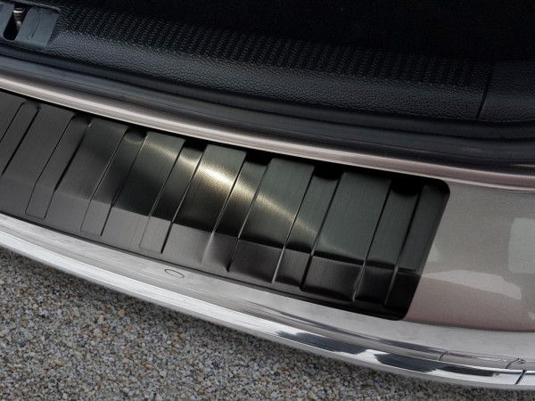 FORD S-MAX 2014– Glossy black – boot entry guard